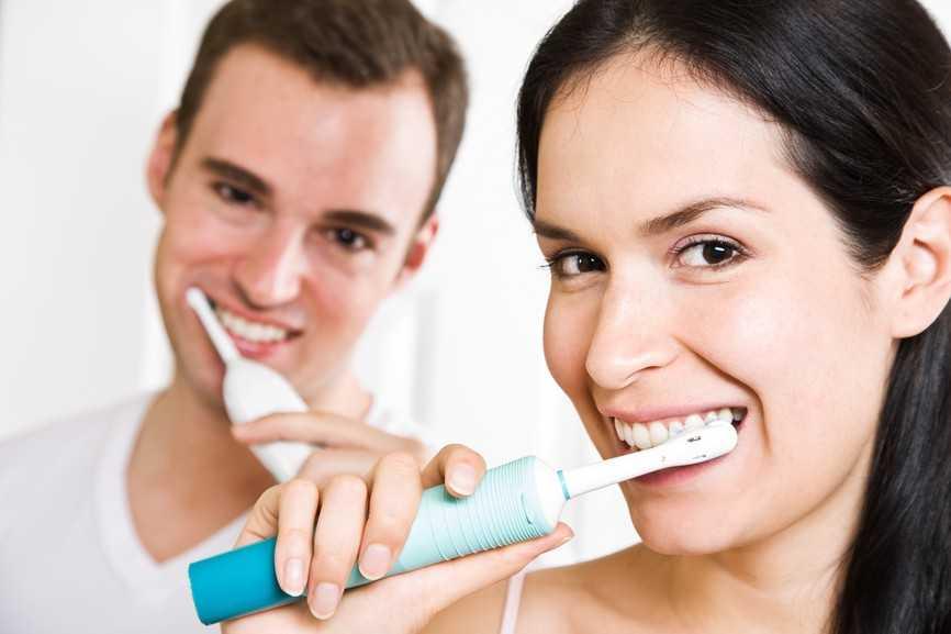 Регулярная и качественная чистка зубов