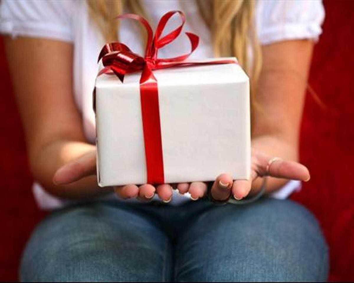 Как сделать так, чтобы мужчина захотел дарить подарки? - Elle 35